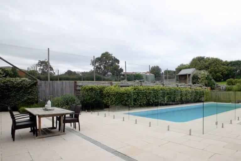 Mornington Peninsula holiday rentals with pool