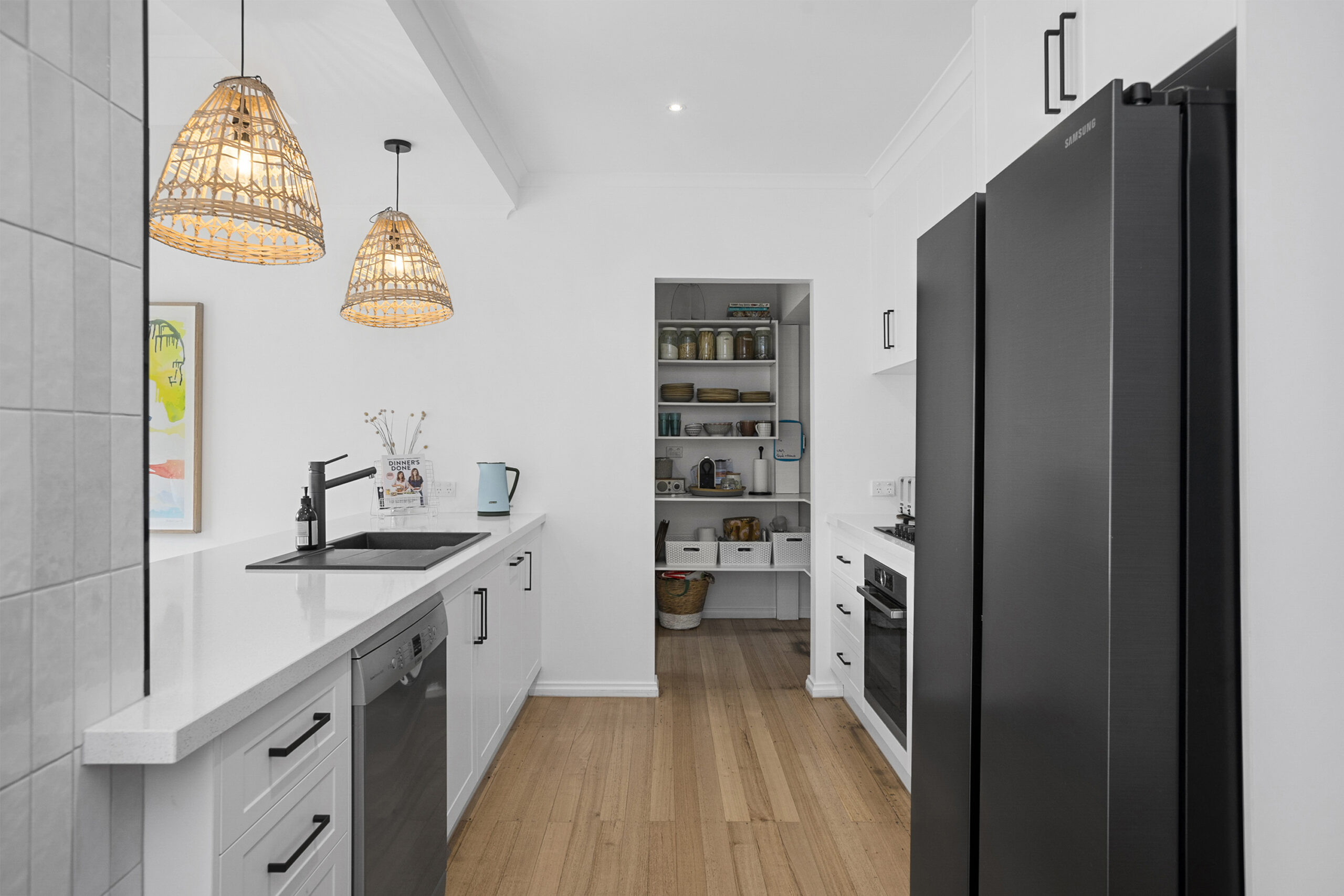 kitchen and butlers pantry, the grove, mt martha holiday rental