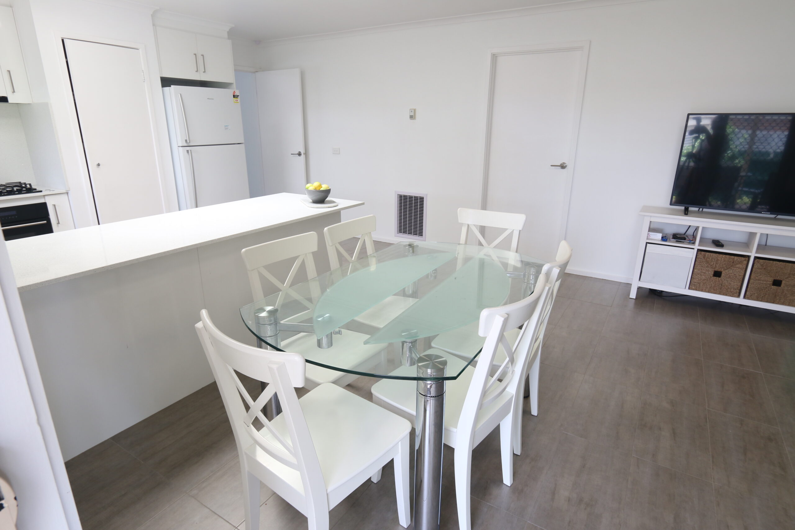 kitchen and meals area. Safety Beach holiday rental.