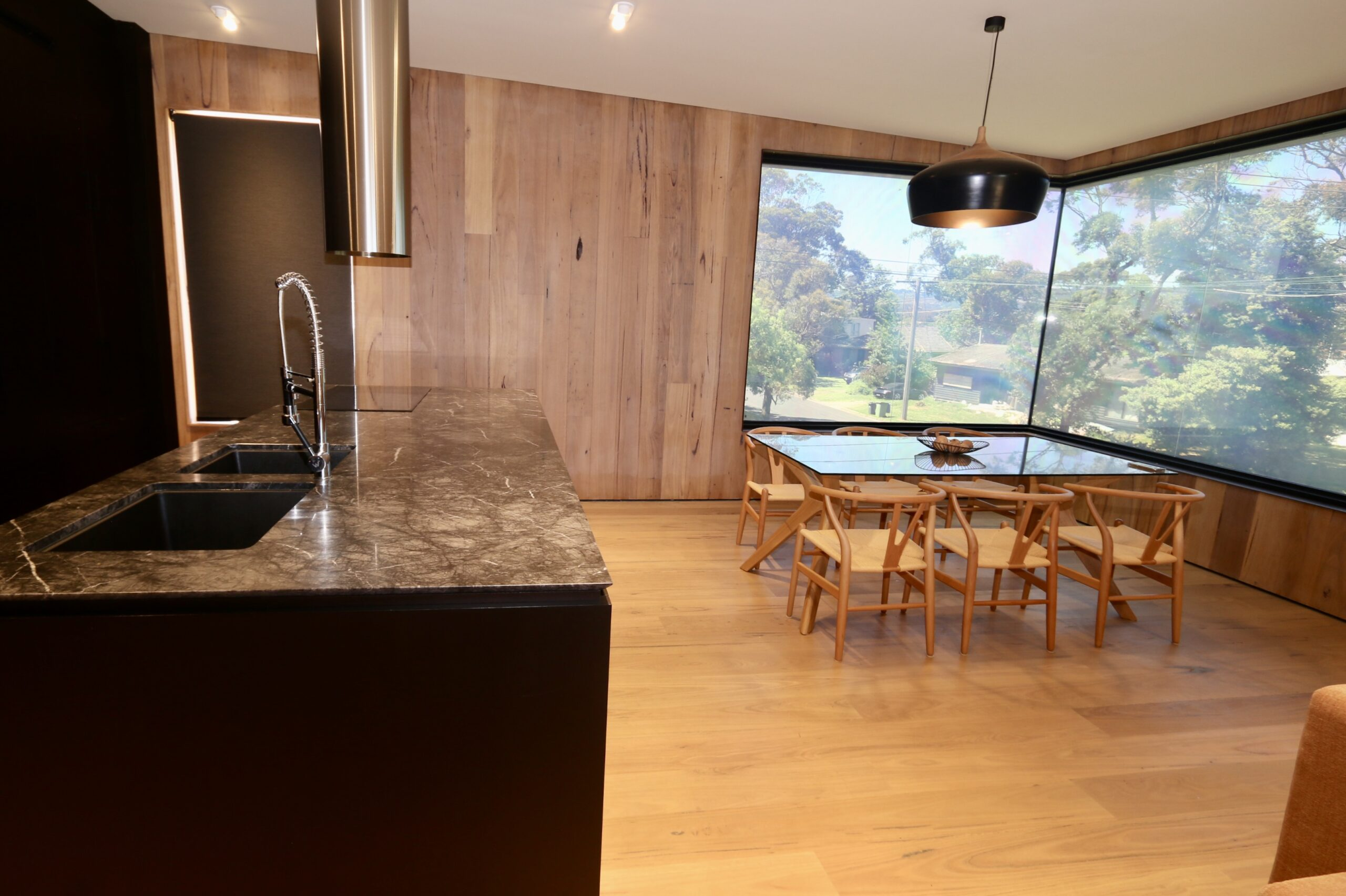 Safety beach holiday rental, kitchen and dining zone. Prescott perfection