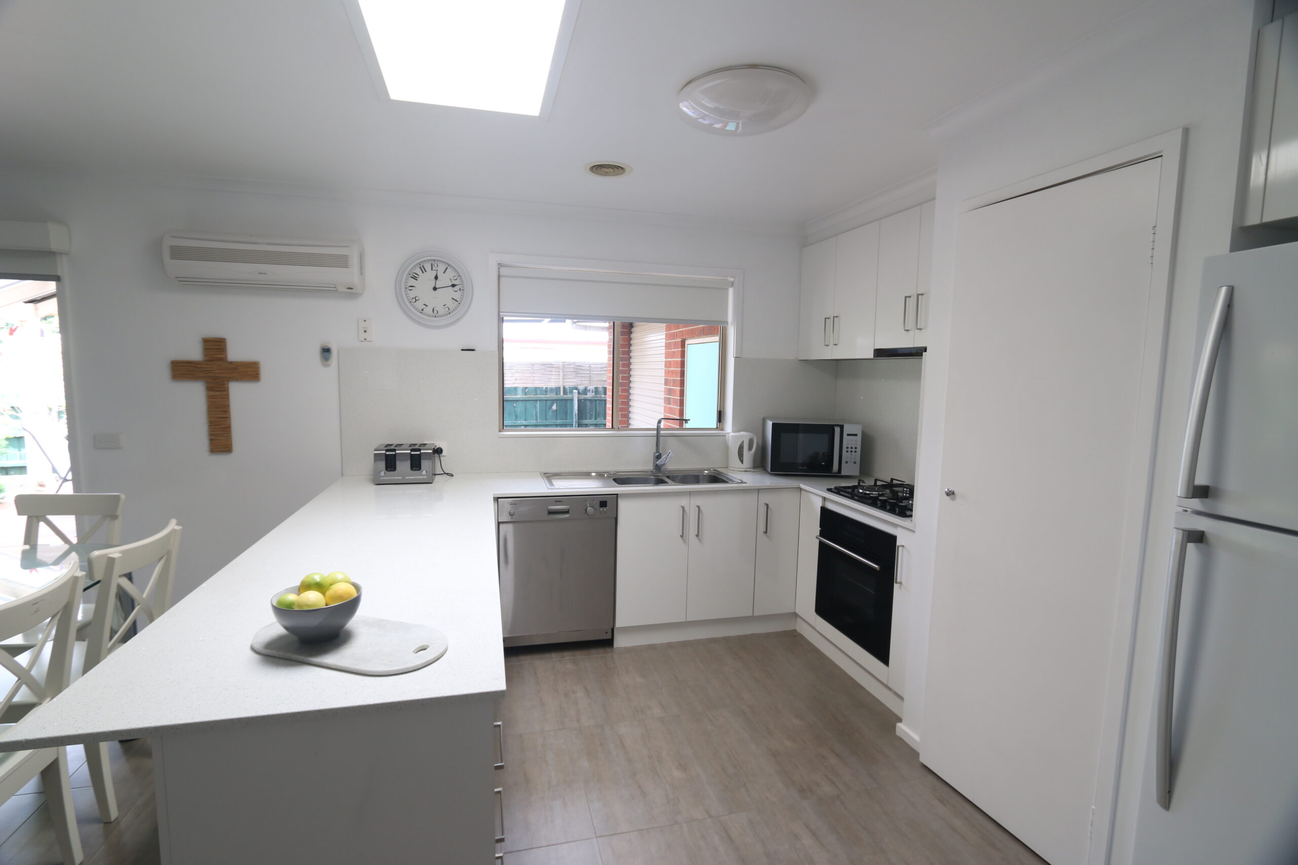 kitchen with ample bench space. Safety Beach holiday rental.