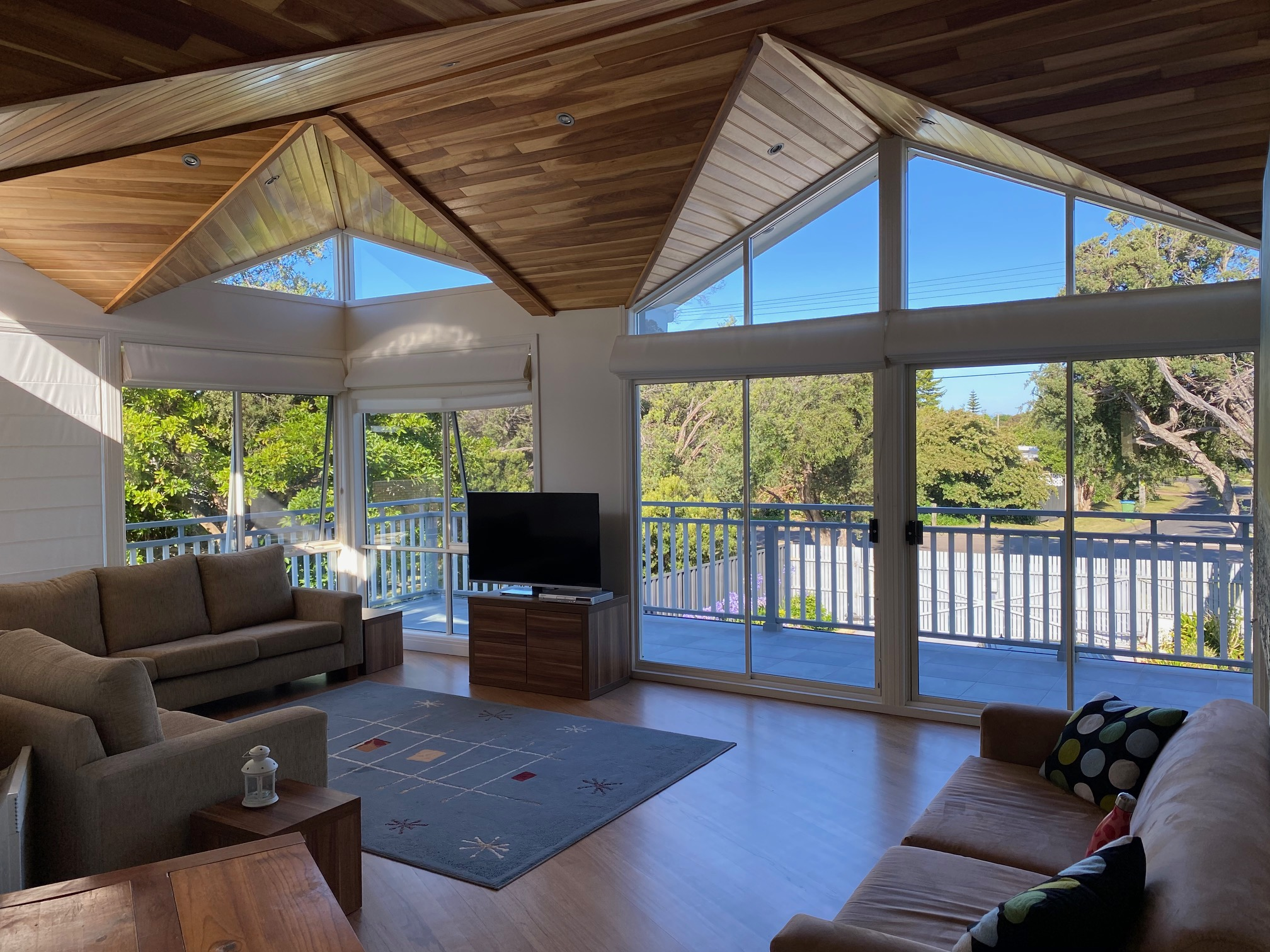 Timbertop second living room. Blairgowrie holiday rental