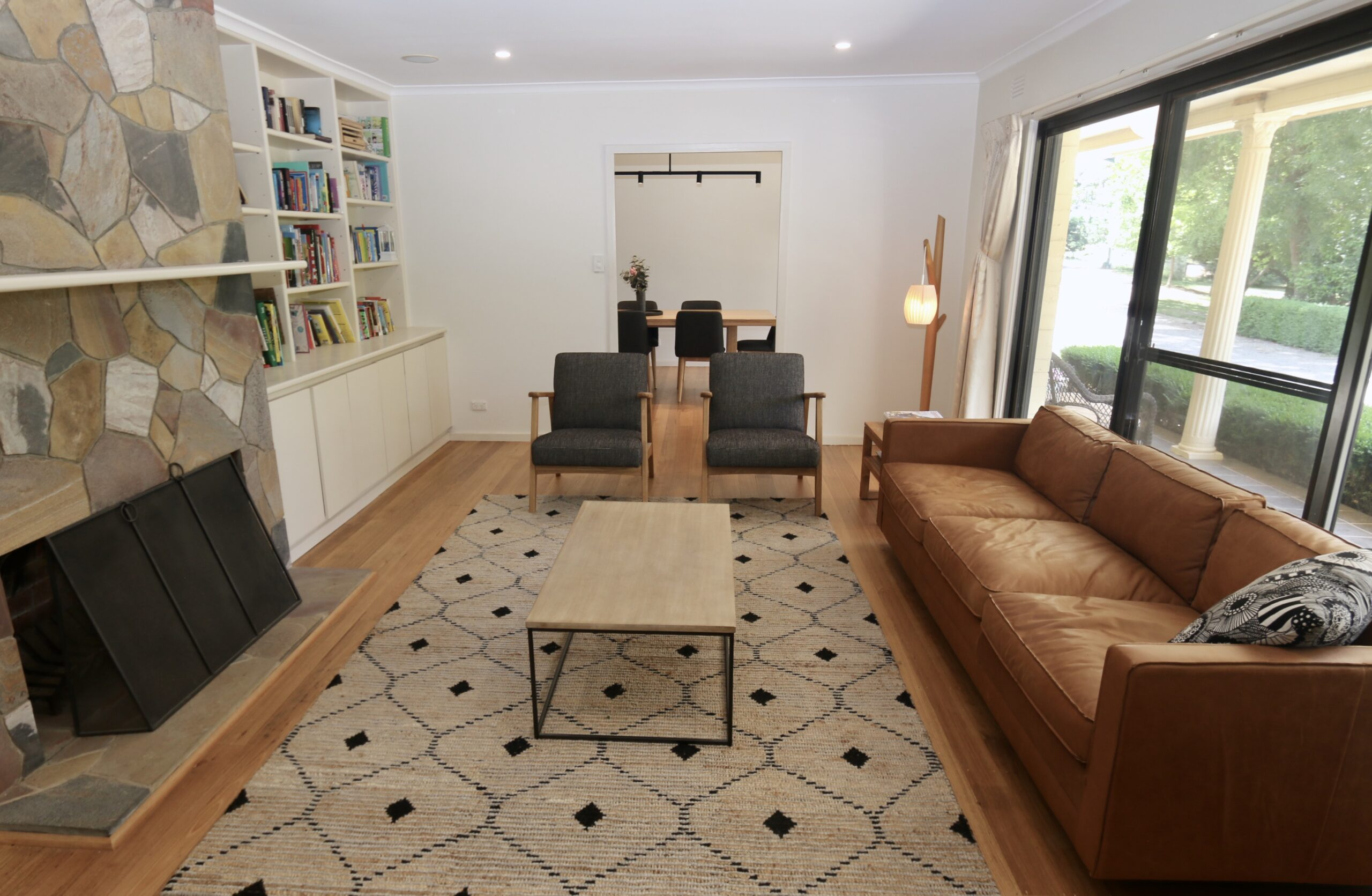 2nd sitting room with fireplace. Moorooduc holiday rental