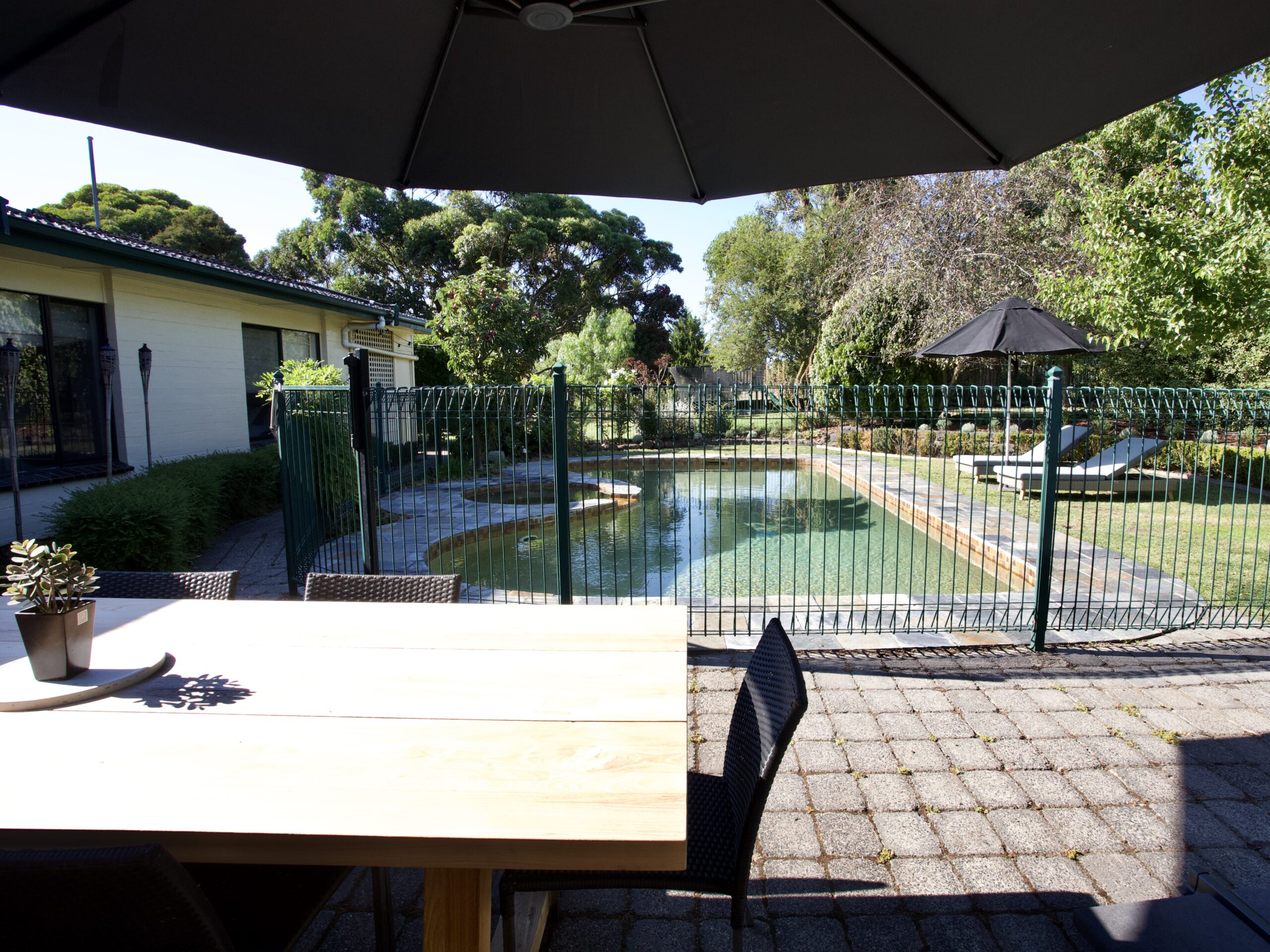 Moorooduc holiday rental. Adalong Park. Alfresco dining, Pool with spa and grassed lounge area