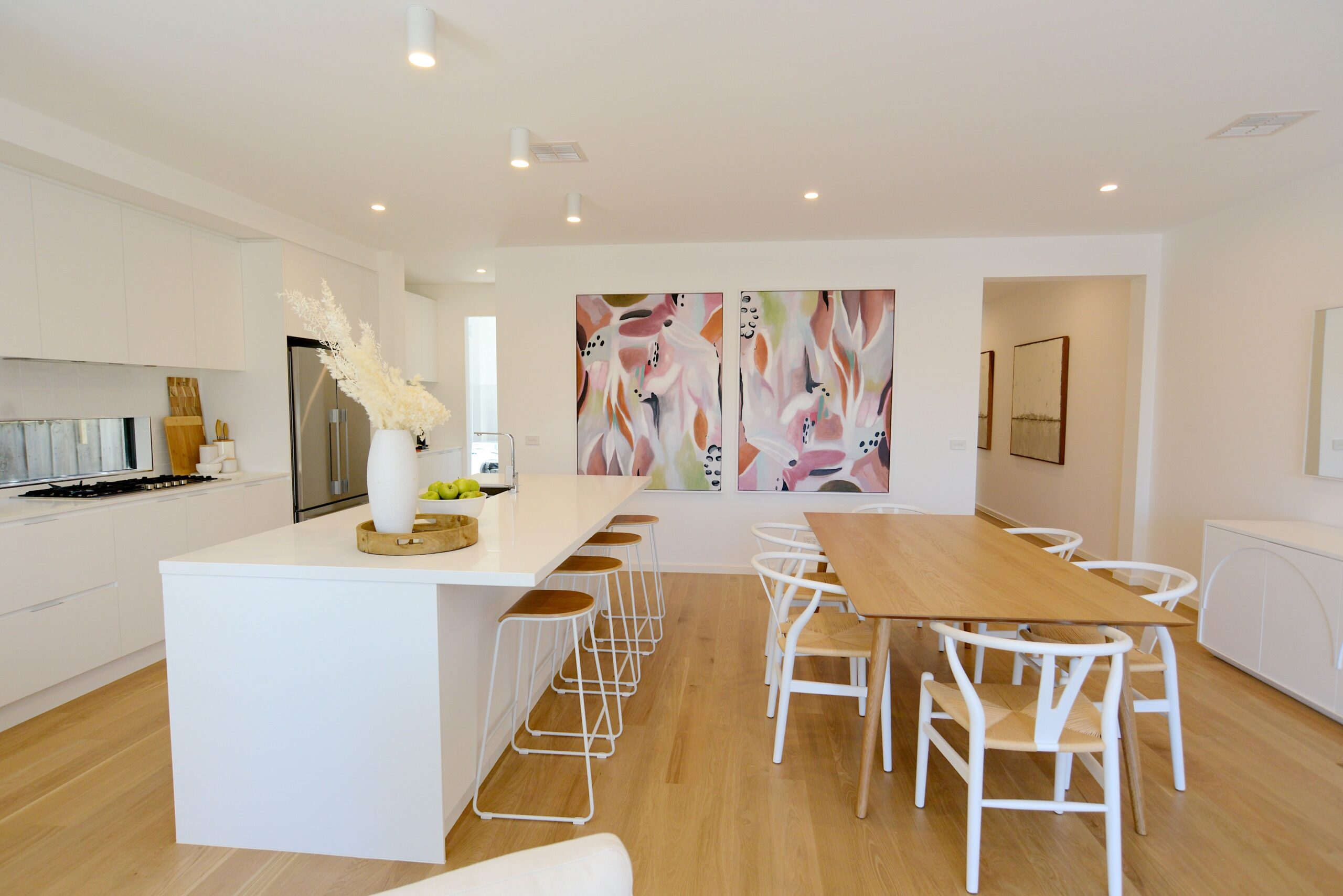 Holiday rental Mornington open plan TH2