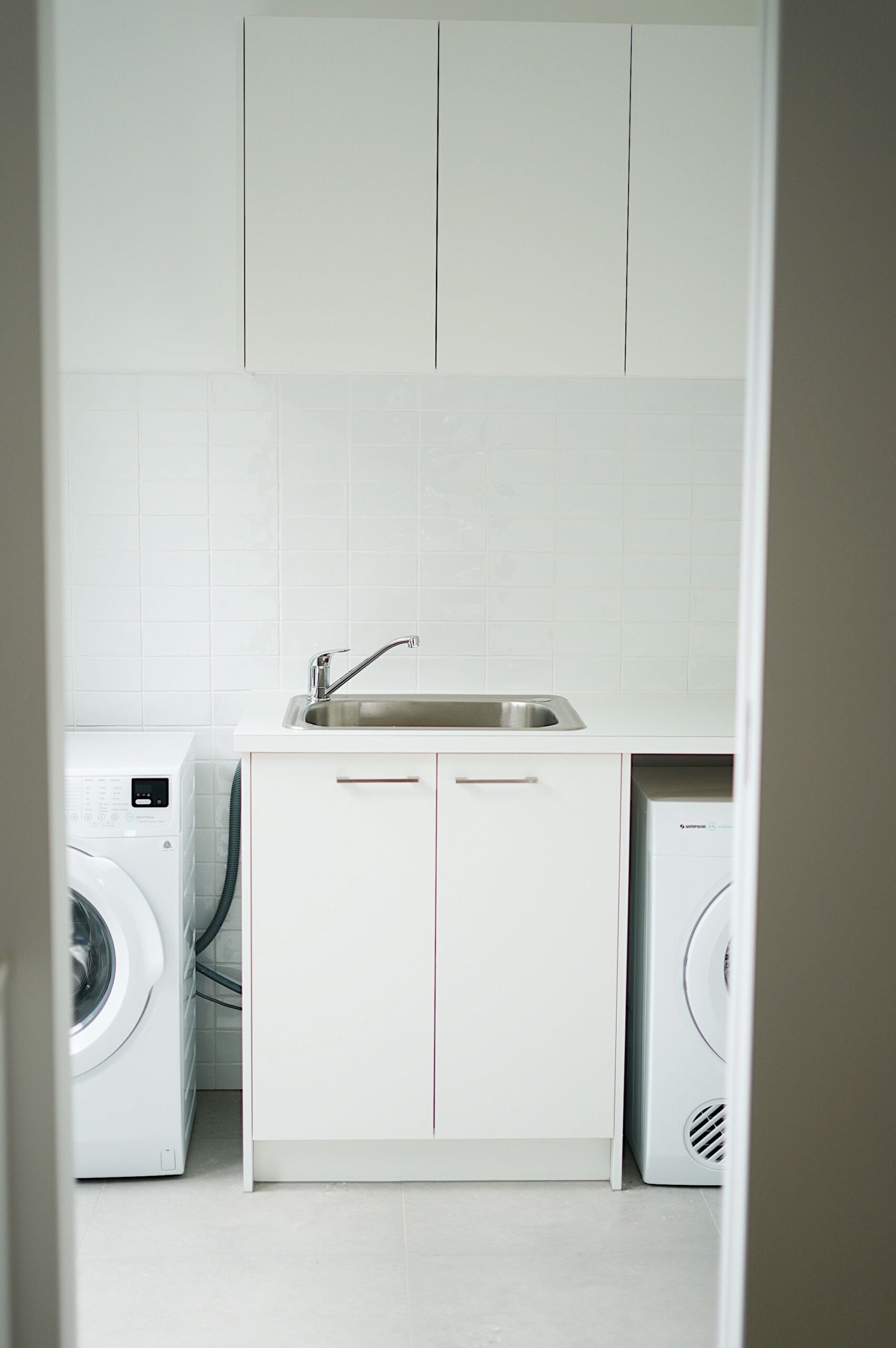 Holiday rental Mornington laundry through butlers pantry