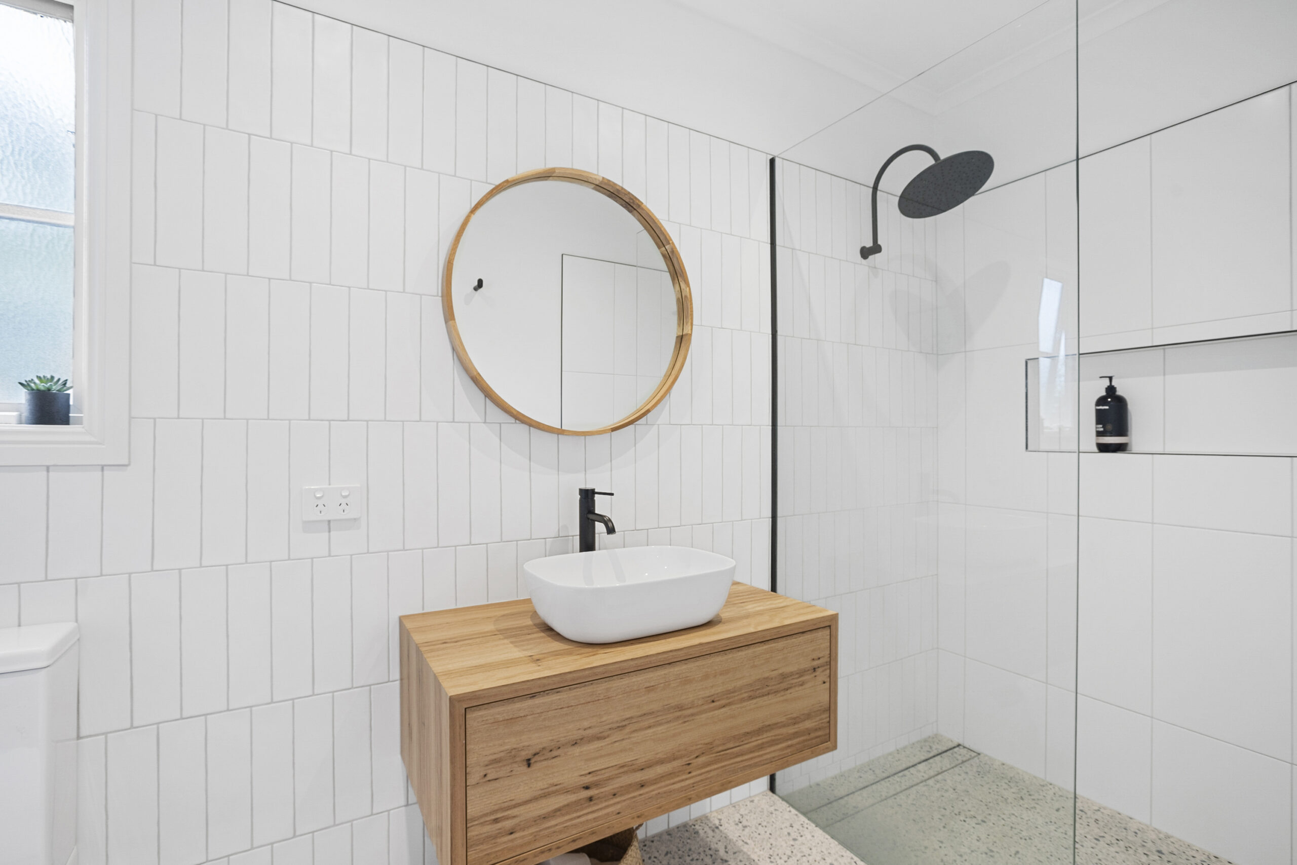 master ensuite The Grove, Mt Martha holiday rental